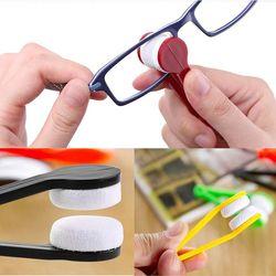 Dụng cụ lau mắt kính tiện lợi giá sỉ