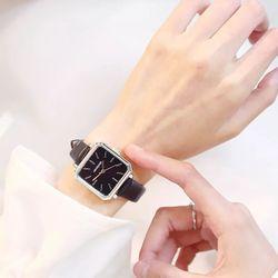 Đồng hồ nữ dây da mặt vuông T71