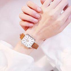 Đồng hồ nữ dây da mặt vuông T72