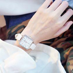 Đồng hồ nữ dây da mặt vuông T73