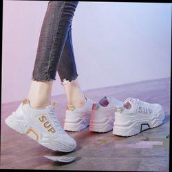 Giày cho nữ
