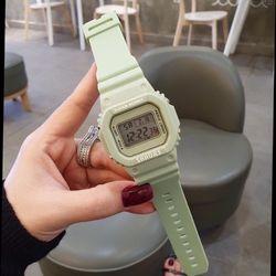 Đồng hồ điện tử shhors giá sỉ