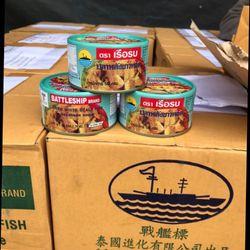 Mùa này thực phẩm đắc như tôm tươi các bác ạ Cá hộp Thái Lan ăn với cơm nóng thì khỏi bàn ạ giá sỉ