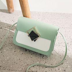 Túi đeo chéo khóa vuông giá sỉ