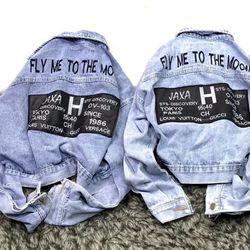 Áo khoác jean nữ in chứ sau lưng cực hot chuyên sỉ jean 2KJean giá sỉ