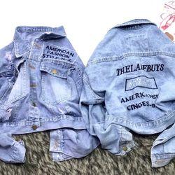 Áo khoác jean nữ in chữ thời trang chuyên sỉ jean 2KJean giá sỉ