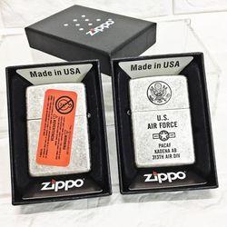 Bật Lửa ZIPPO Mỹ, Bật Lửa ZIPPO USA U.S (Không Quân Mỹ) Màu Bạc Cổ Điển Xài Xăng Có Tem Đỏ giá sỉ