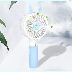 Quạt cầm tay mini phun sương tự động pin khủng 2000mAh chất liệu ABS siêu bền thiết kế nhỏ gọn có cổng sạc