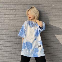 Áo thun loang màu trắng xanh giá sỉ