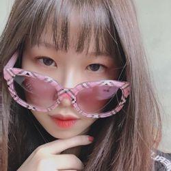 Mắt kính sọc hồng cute đáng yêu chống nắng bảo vệ mắt giá sỉ