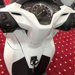 Cần Bán Xe Honda Sh300i Màu Trắng Ngọc Trinh ABS Đầy Đủ giá sỉ