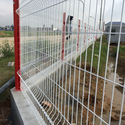 Hàng rào mạ kẽm hàng rào sơn tĩnh điện giá sỉ