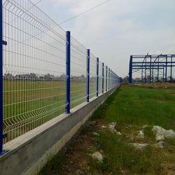 Hàng rào uốn sóng trên thân hàng rào nhúng nóng giá sỉ