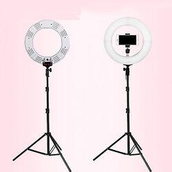 Đèn led hỗ trợ livestream và make up đường kính 26cm chân đèn 2m giá sỉ