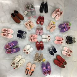 Lô 30 đôi giày trẻ em